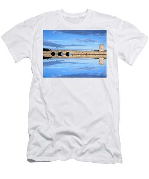 Belvelly Castle Reflection Men's T-Shirt (Athletic Fit)
