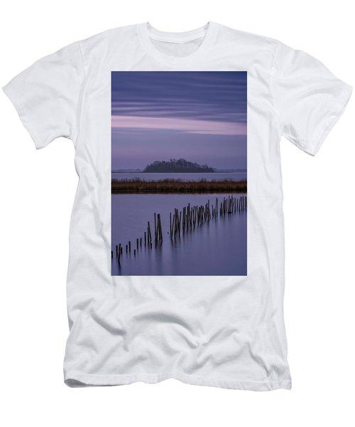 Blackwater Morning  Men's T-Shirt (Athletic Fit)