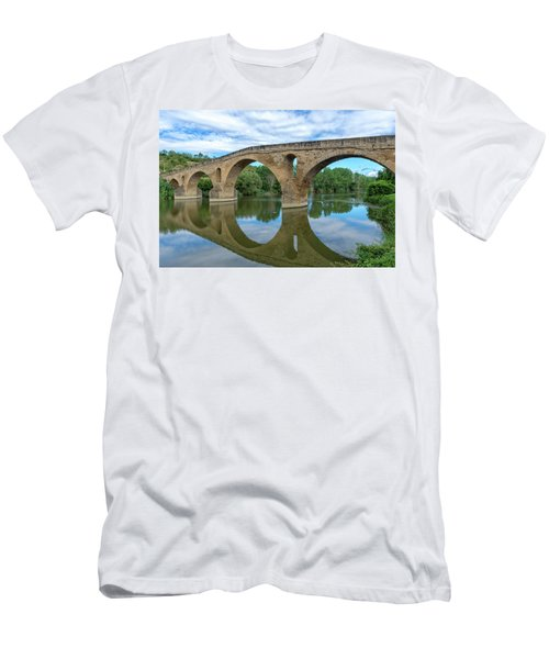 Bridge The Queen On The Way To Santiago Men's T-Shirt (Athletic Fit)
