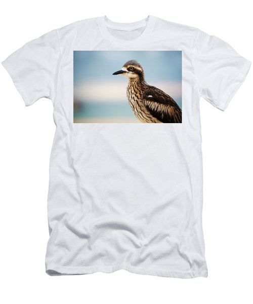 Bush Stone-curlew Resting On The Beach. Men's T-Shirt (Athletic Fit)