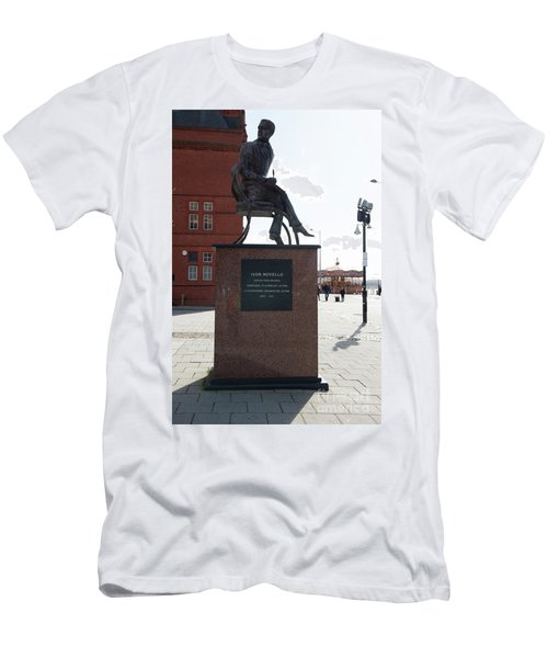 Cardiff Photo 9 Men's T-Shirt (Athletic Fit)