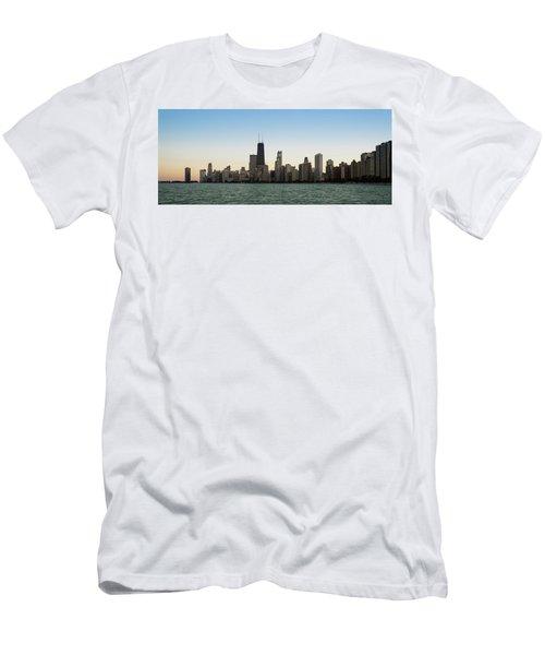 Chicago Skyline Sundown Panorama Men's T-Shirt (Athletic Fit)