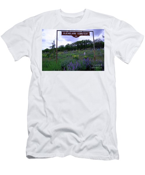 Cleveland Cemetery   Men's T-Shirt (Athletic Fit)