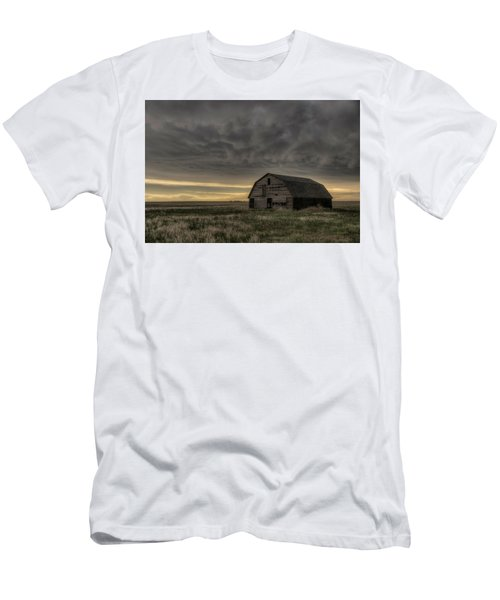 Clouds And Barn Men's T-Shirt (Athletic Fit)
