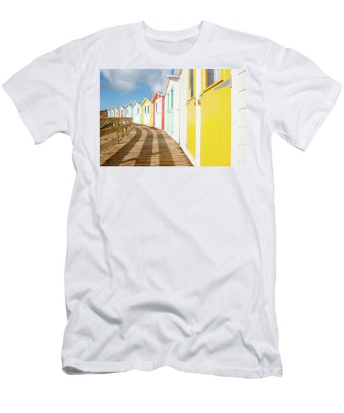 Colourful Bude Beach Huts Men's T-Shirt (Athletic Fit)
