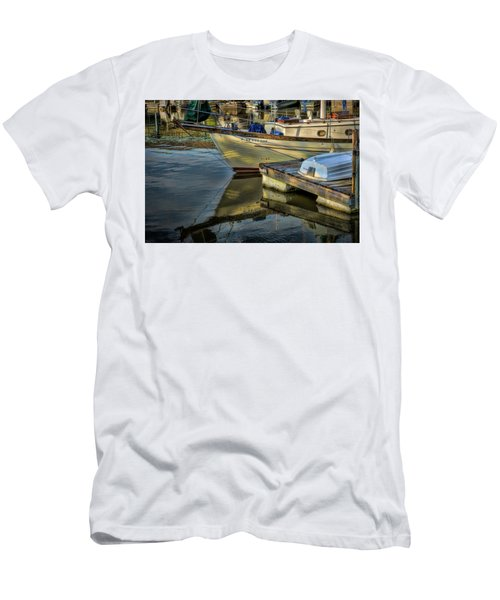 Lake Dardanelle Marina Men's T-Shirt (Athletic Fit)