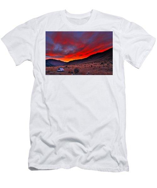Lone Tent Men's T-Shirt (Athletic Fit)