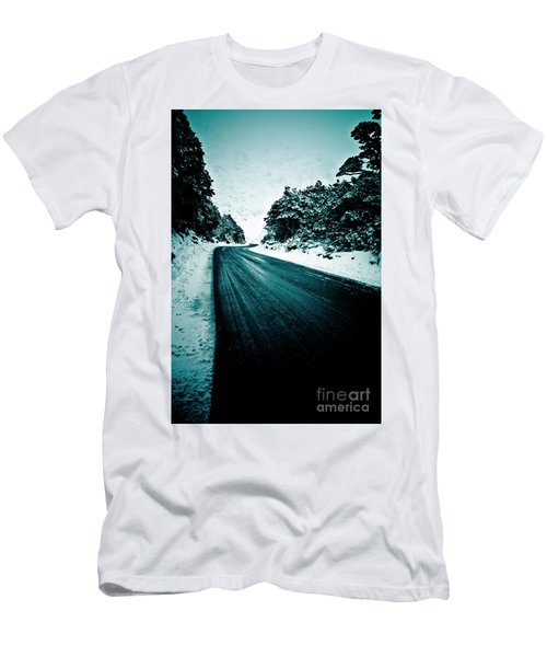 Lonely Road In The Countryside For A Car Trip And Disconnect From Stress Men's T-Shirt (Athletic Fit)