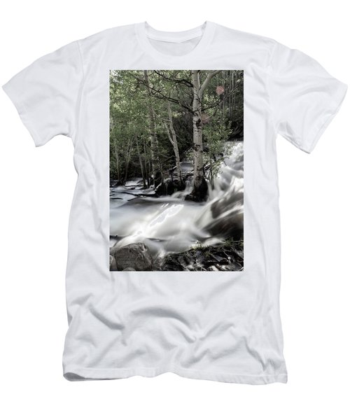 Long Exposure Shot Of A Mountain Stream Men's T-Shirt (Athletic Fit)