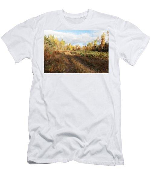 Maine Wilderness Color Men's T-Shirt (Athletic Fit)