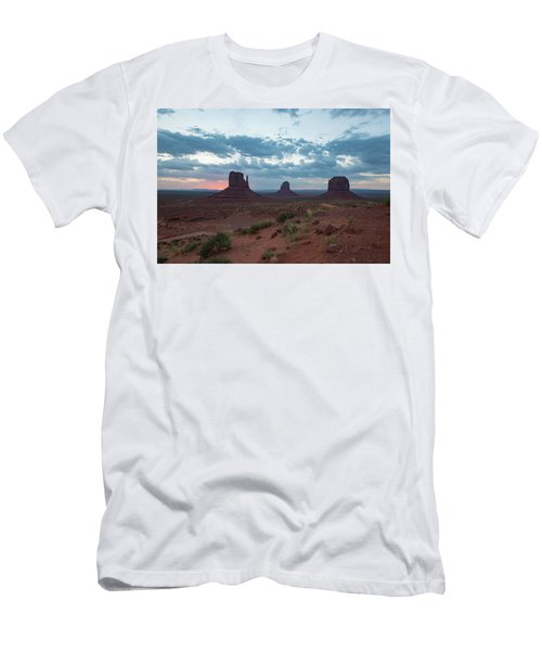 Monument Valley Before Sunrise Men's T-Shirt (Athletic Fit)