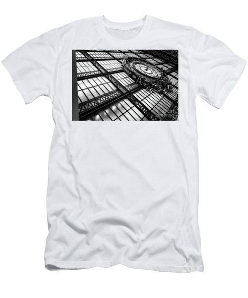 Musee D'orsay Clock Men's T-Shirt (Athletic Fit)