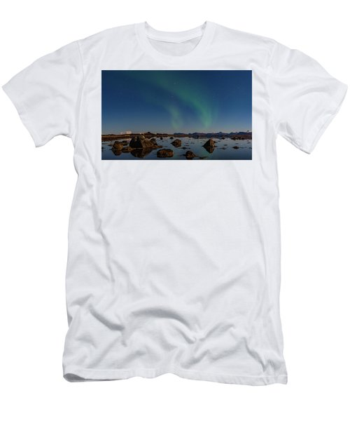 Northern Lights Over A Swamp  Men's T-Shirt (Athletic Fit)