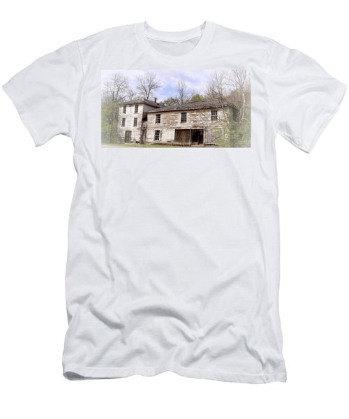 Old Abandoned House In Fluvanna County Virginia Men's T-Shirt (Athletic Fit)