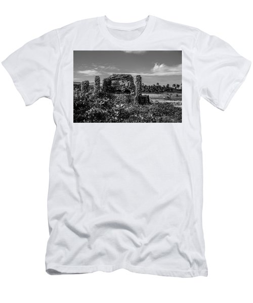 Men's T-Shirt (Athletic Fit) featuring the photograph Old Brick Oven by Stuart Manning