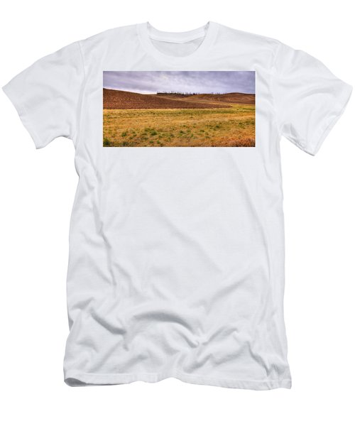 Men's T-Shirt (Athletic Fit) featuring the photograph Palouse Farmland by David Patterson