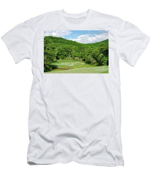 Par 3 Hole 16 Men's T-Shirt (Athletic Fit)