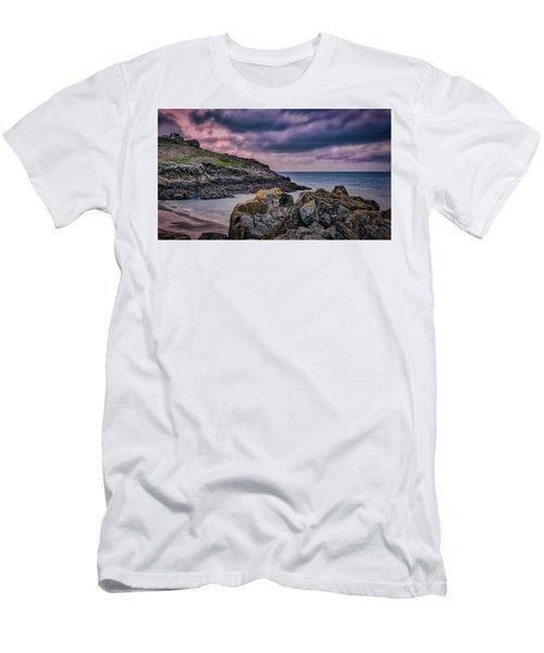 Porthgwidden Dramatic Sky Men's T-Shirt (Athletic Fit)