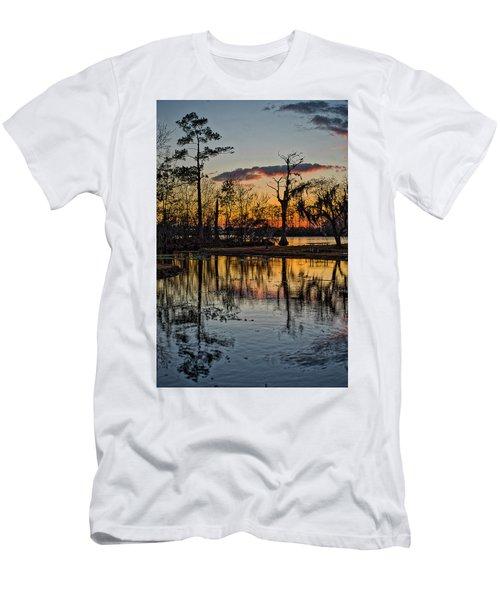 Riverside Sunset Men's T-Shirt (Athletic Fit)