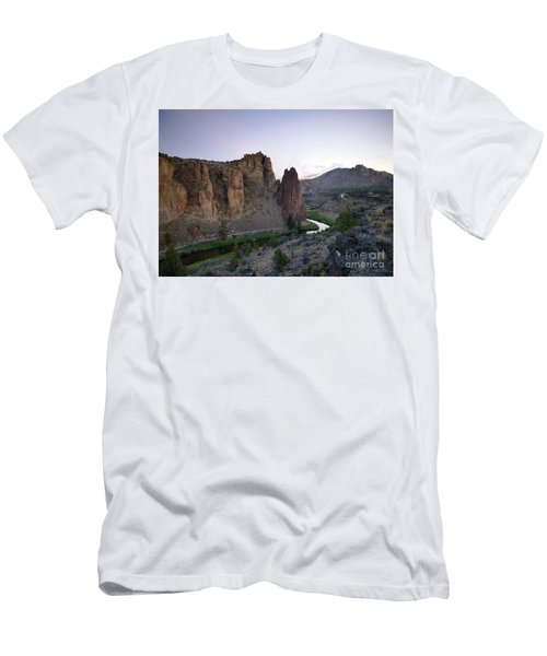Smith Rock Summer Men's T-Shirt (Athletic Fit)