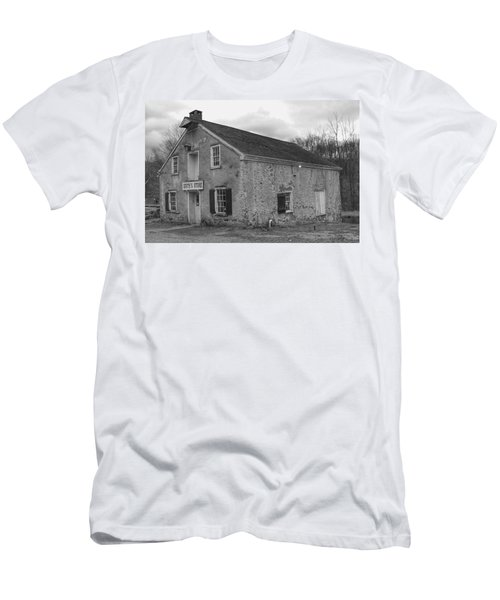 Smith's Store - Waterloo Village Men's T-Shirt (Athletic Fit)