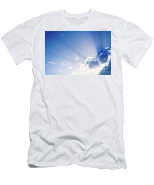 Sunbeams Rising From A Large Cloud In Intense Blue Sky On A Summer Afternoon Men's T-Shirt (Athletic Fit)