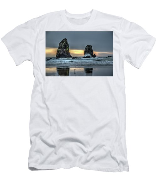 Sunset At The Canon Beach Men's T-Shirt (Athletic Fit)