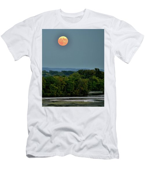 Supermoon On The Mississippi Men's T-Shirt (Athletic Fit)