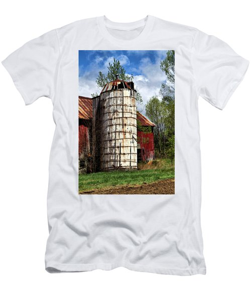 Men's T-Shirt (Athletic Fit) featuring the photograph Vermont Farmhouse Silo  by Betty Pauwels
