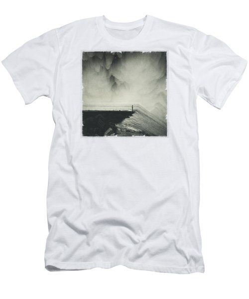 Vertigocean - Inclined Seascape Men's T-Shirt (Athletic Fit)