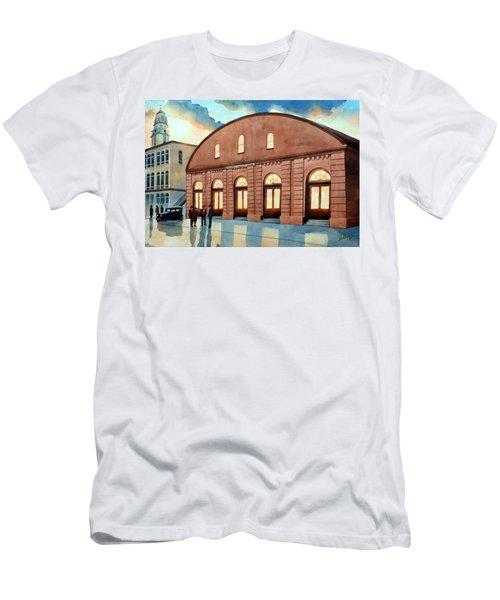 Vintage Color Columbia Market House Men's T-Shirt (Athletic Fit)