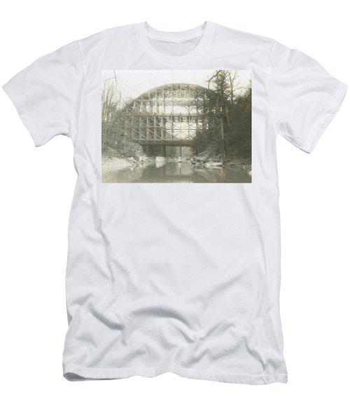 Walnut Lane Bridge Men's T-Shirt (Athletic Fit)