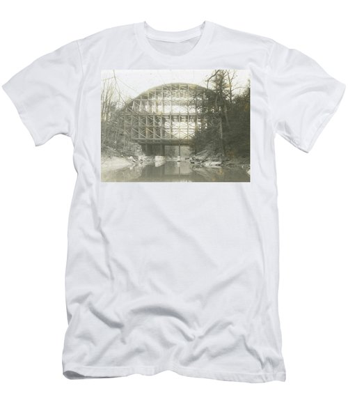 Walnut Lane Bridge Men's T-Shirt (Athletic Fit)