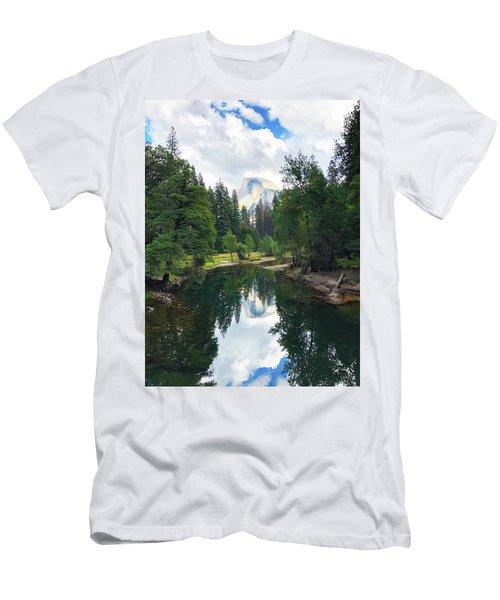 Yosemite Classical View Men's T-Shirt (Athletic Fit)