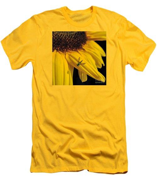 Buzz Off Men's T-Shirt (Athletic Fit)