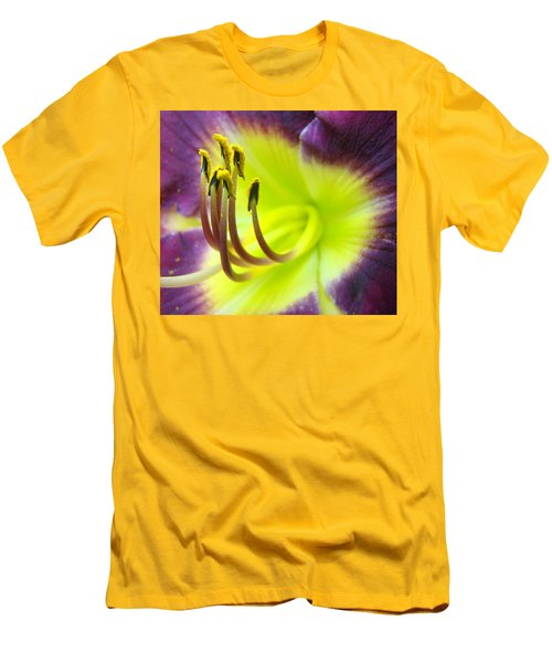 Daylily Macro 2 Men's T-Shirt (Athletic Fit)