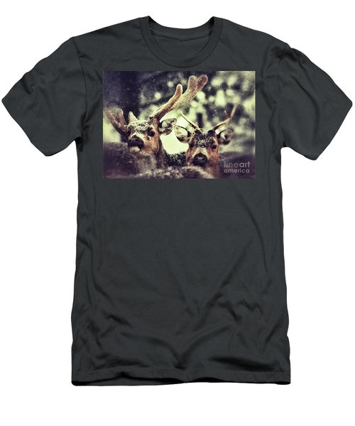 Deer In The Snow Men's T-Shirt (Athletic Fit)