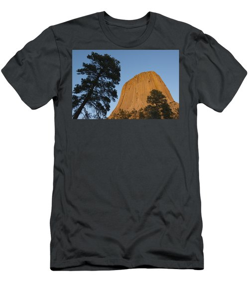 Devils Tower National Monument Wyoming Men's T-Shirt (Athletic Fit)