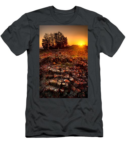 Hughes Mountain Men's T-Shirt (Athletic Fit)