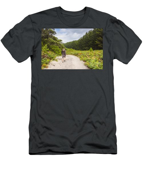 Male Hiker Travelling Western Coast Of Tasmania Men's T-Shirt (Athletic Fit)