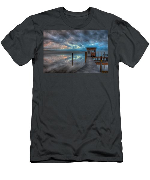 Melvin Village Marina In The Fog Men's T-Shirt (Athletic Fit)