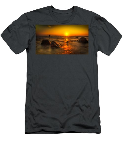 Montauk New York Summer Sunrise Men's T-Shirt (Athletic Fit)