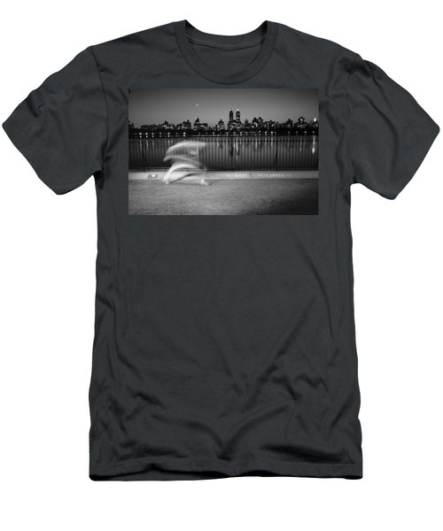 Night Jogger Central Park Men's T-Shirt (Athletic Fit)