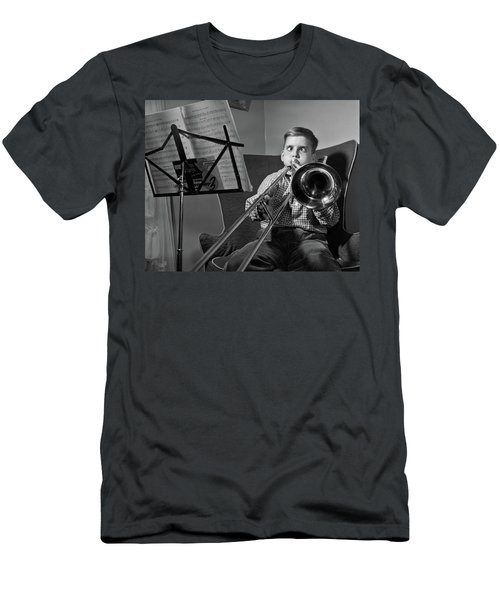 1950s Funny Cross-eyed Boy Playing Men's T-Shirt (Athletic Fit)