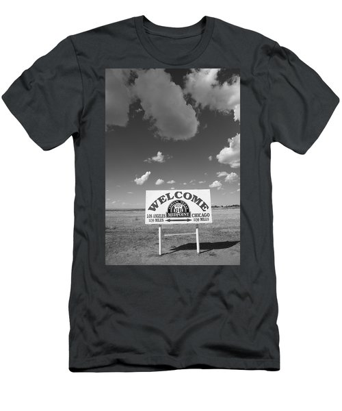 Route 66 - Midpoint Sign Men's T-Shirt (Athletic Fit)