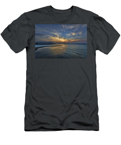 a joyful sunset at Tel Aviv port Men's T-Shirt (Athletic Fit)