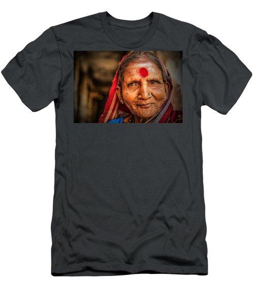 A Woman Of Faith Men's T-Shirt (Athletic Fit)