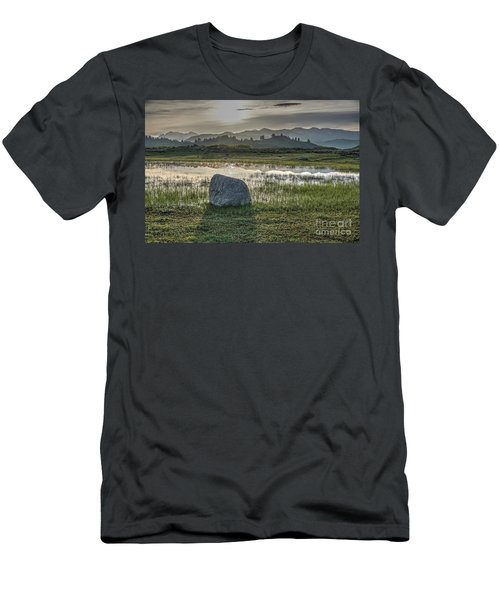 A Yellowstone Sunrise And Hazy Morning Ridges Men's T-Shirt (Athletic Fit)