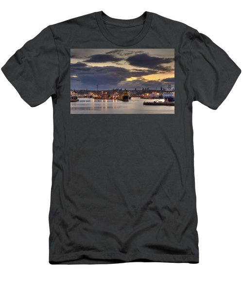 Aberdeen Harbour At Dusk Men's T-Shirt (Athletic Fit)