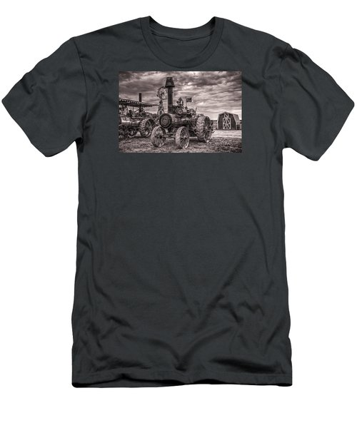 Advance Steam Traction Engine Men's T-Shirt (Athletic Fit)